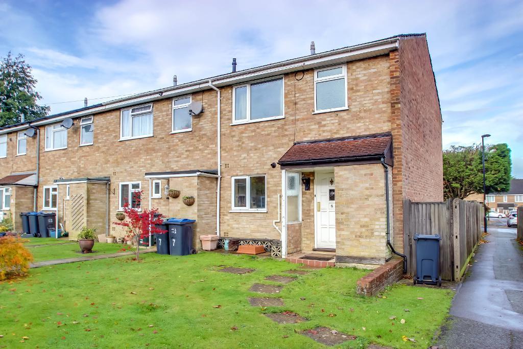 3 bedroom End Terraced in South Croydon, CR2